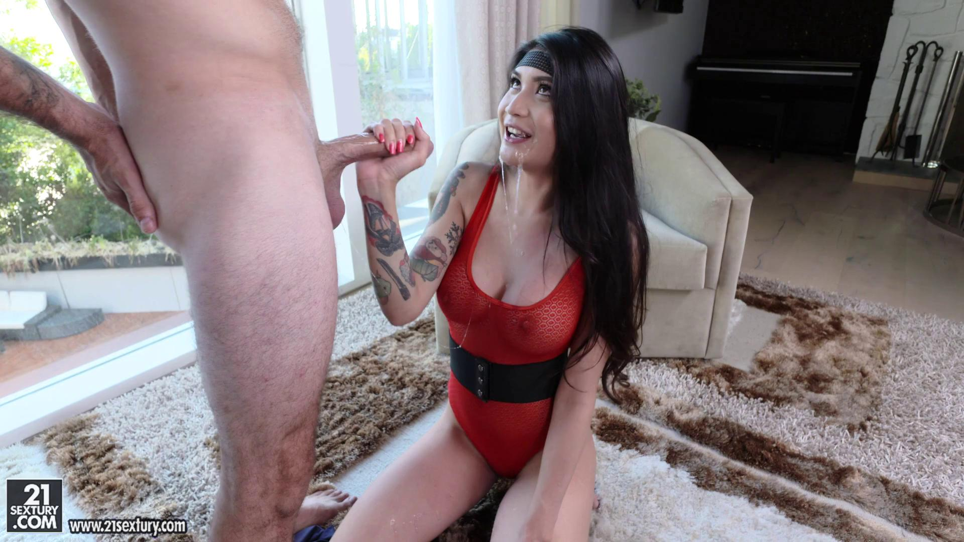 ClubSandy – Brenna Sparks Stretching Routine